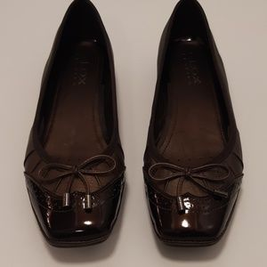 Like New Geox Patent and Bronze Leather Flats